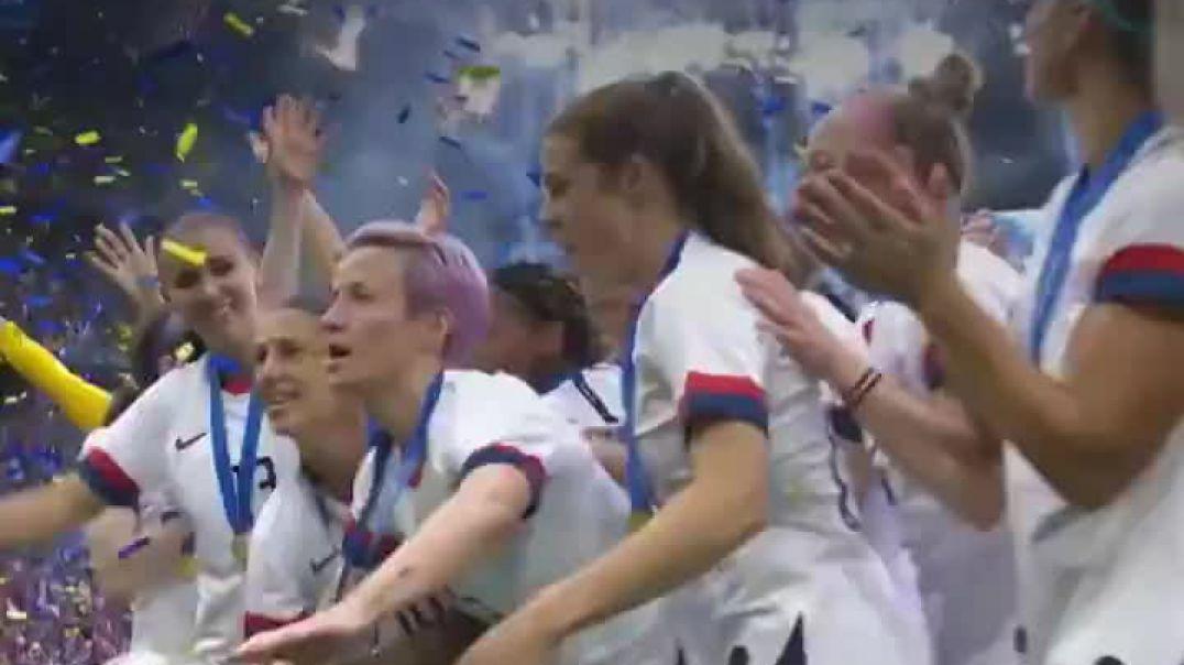 FIFA prezidenti fitə basıldı - VİDEO