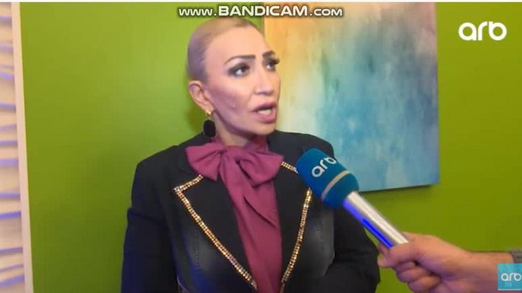 Əməkdar artist sponsoru ilə qabağa gedən müğənniləri yıxıb-sürüdü